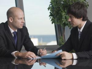 Возможно ли поменять учредителя и директора ООО одновременно?